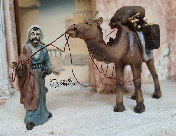 Krippenfiguren aus Kunstharz ein Treiber mit Kamel