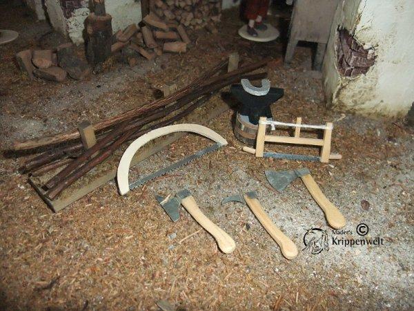 werkzeug holzbearbeitung als krippenzubeh r. Black Bedroom Furniture Sets. Home Design Ideas