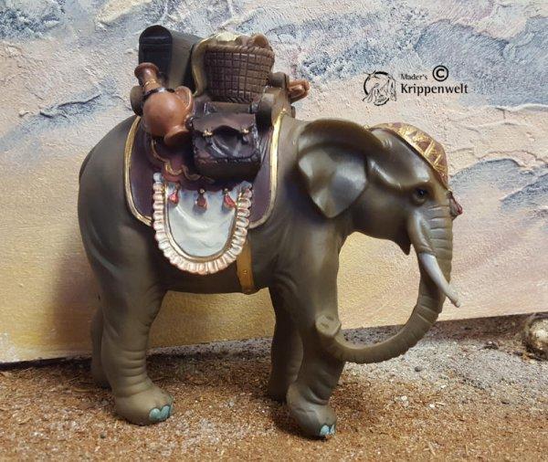 bepackter Elefant als Krippentier