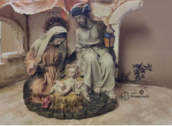 heilige Familie als Krippenfiguren aus Kunstharz