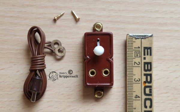 Schalter mit Steckdose für die Krippenelektrik