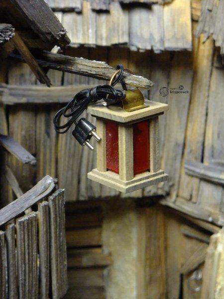 Holzlaterne als Krippenbeleuchtung