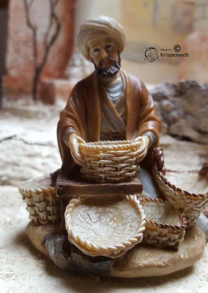 orientalische Kippenfigur Händler mit Turban und Körbchen