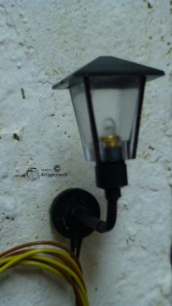 Außenlampe als Krippenbeleuchtung