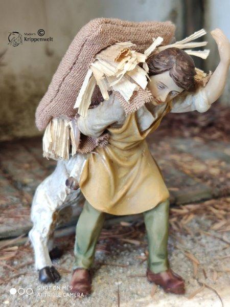 ein Knecht mit Strohsack als schöne Krippenfigur