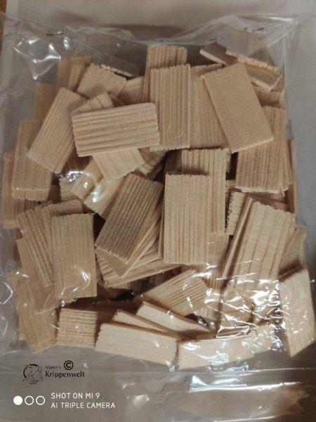 200 Dachschindeln aus Fichtenholz