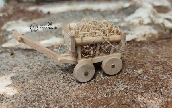 kleiner Leiterwagen aus Holz als Krippenzubehör