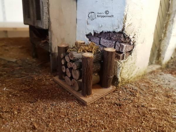 Holzstoß mit 2 Seitenstützen in S und M