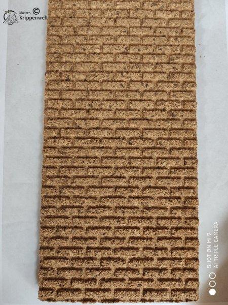 Strukturplatte aus Kork mit gerade verlaufender Mauerstruktur